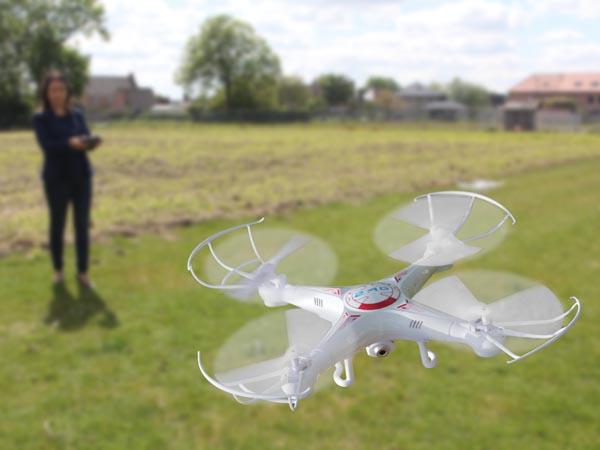DRON CUADRICÓPTERO CÁMARA HD 4 CANALES 2.4 GHZ
