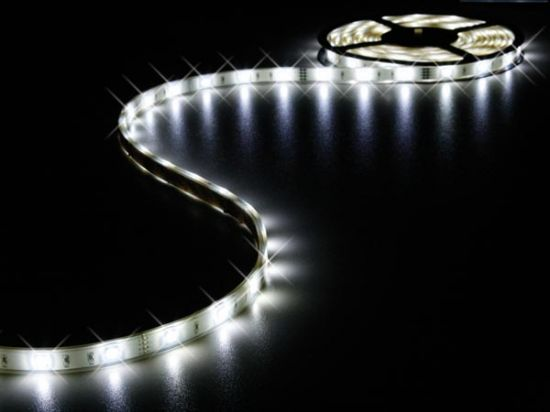 CINTA 150 LEDs FLEXIBLE RESISTENTE AL AGUA COLOR BLANCO 5 METROS
