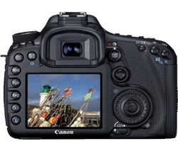 CANON EOS 7D + OBJETIVO ZOOM EF-S 18-135MM F/3,5-5,6 IS