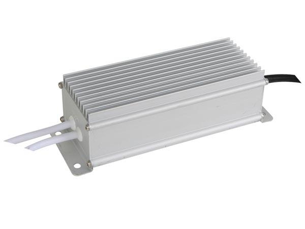 ALIMENTACIÓN PARA LEDS CON TENSIÓN CONSTANTE 12VDC 60W IP67