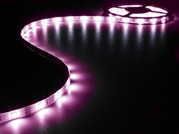JUEGO CON CINTA DE LEDS FLEXIBLE CONTROLADOR Y ALIMENTACIÓN RGB 150 LEDS 5M