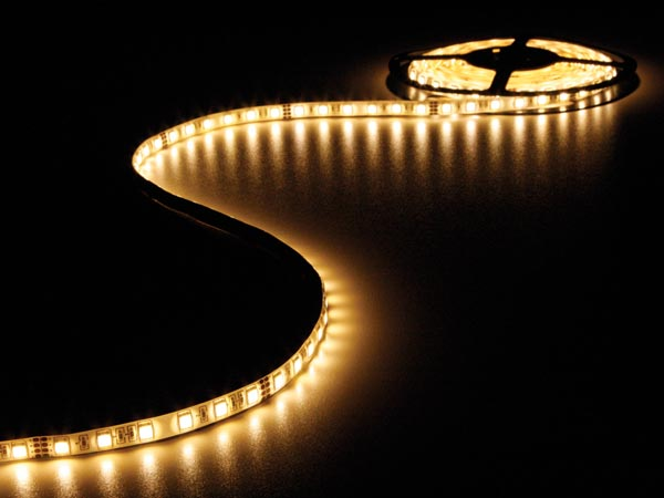 CINTA CON LEDS FLEXIBLE COLOR BLANCO CÁLIDO 300 LEDS 5M 24V
