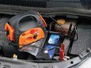 ARRANCADOR EMERGENCIA COCHE 12V PINZAS + USB